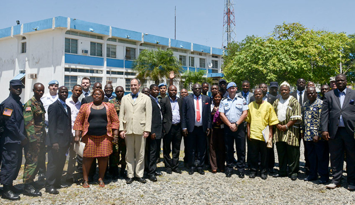 A group photo after arms marking and destruction training