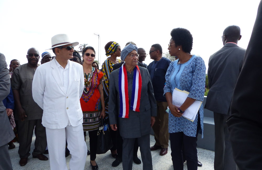 Special Representative of the Secretary-General and Head of UNMIL (SRSG) Farid Zarif and President Ellen Johnson-Sirleaf at the inauguration of Du-Port Road Community Memorial Site