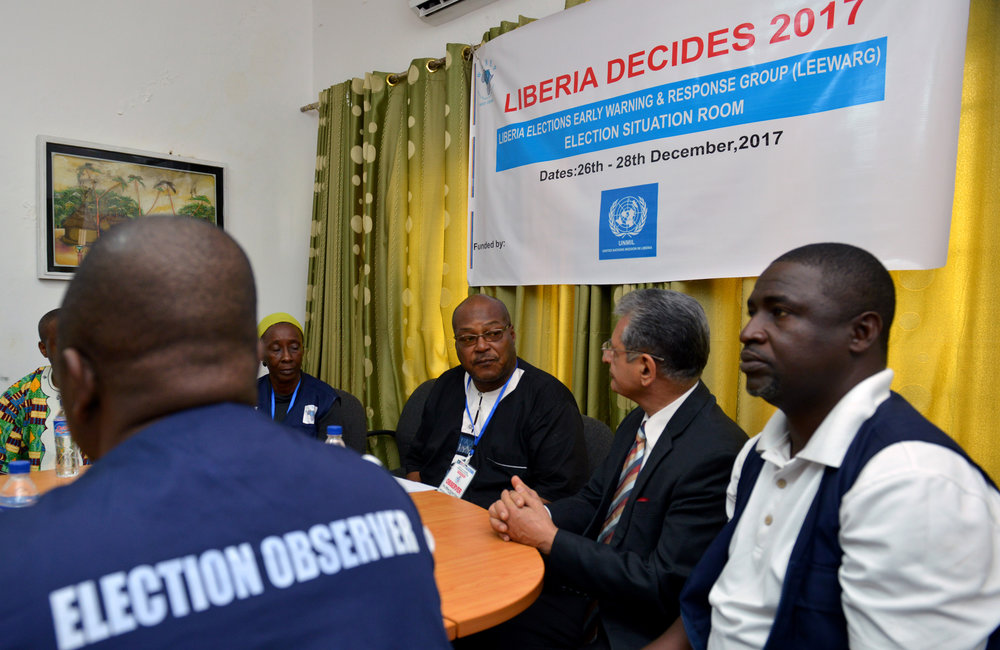 26 December 2017, Presidential Runoff Election Special Representative of the Secretary-General(SRSG) Farid Zarif meeting the ECOWAS situations room staffers. ©UNMIL Photo: Shpend Berbatovci